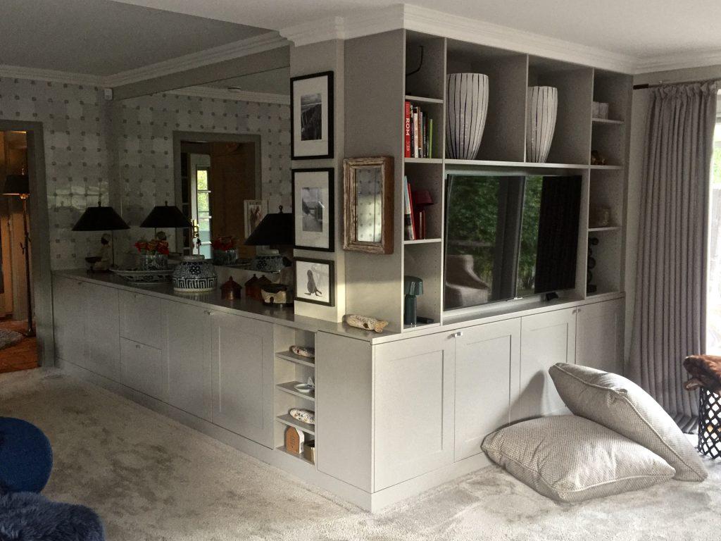 Wohnzimmerwand mit integriertem Pfeiler, Sylt